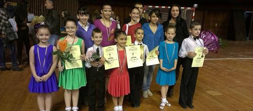 Усмихнатите ни отличници от Турнира по спортни танци на 8.XI – Варна.