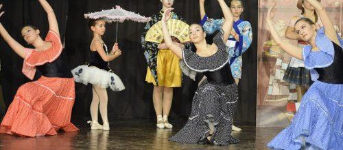 """Многобройни отличия за ДЕЦАТА НА """"ОГЛЕДАЛО"""" – Балет на 12-ти детско-юношески театрален фестивал"""