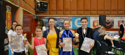"""Отново успех за децата на """"Огледало"""" – спортни танци!"""