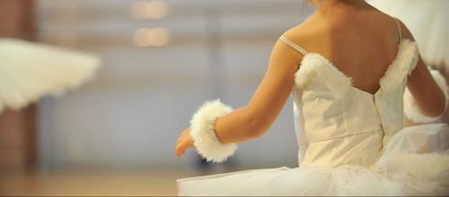 КЛАСИЧЕСКИ БАЛЕТ ЗА ДЕЦА – начинаещи